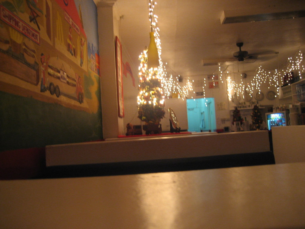 Al's diner in full christmas spirit